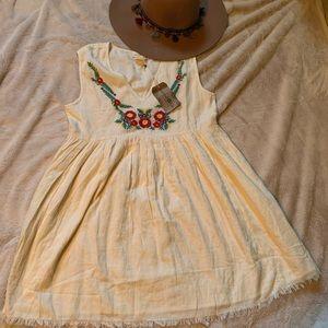 BOHO cute!Empire waist dress/tunic w/ embroidery